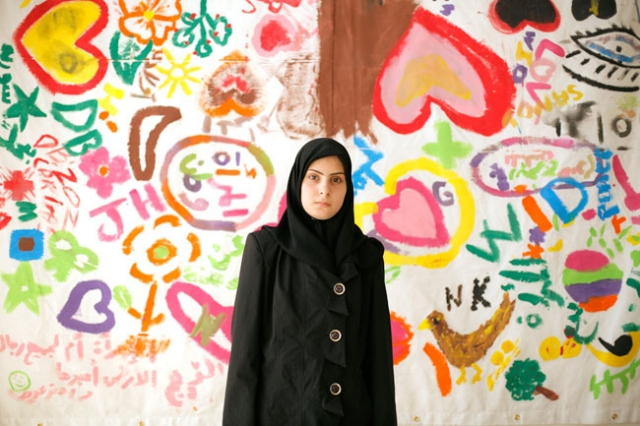 Amar, 18, posiert am 19. Juni 2014 im Caritas Flüchtlingsbüro in Dahr El Ain, nahe Tripoli. Seit sechs Monaten hat sie kein Wort gesprochen. Credit: Matthieu Alexandre/Caritas